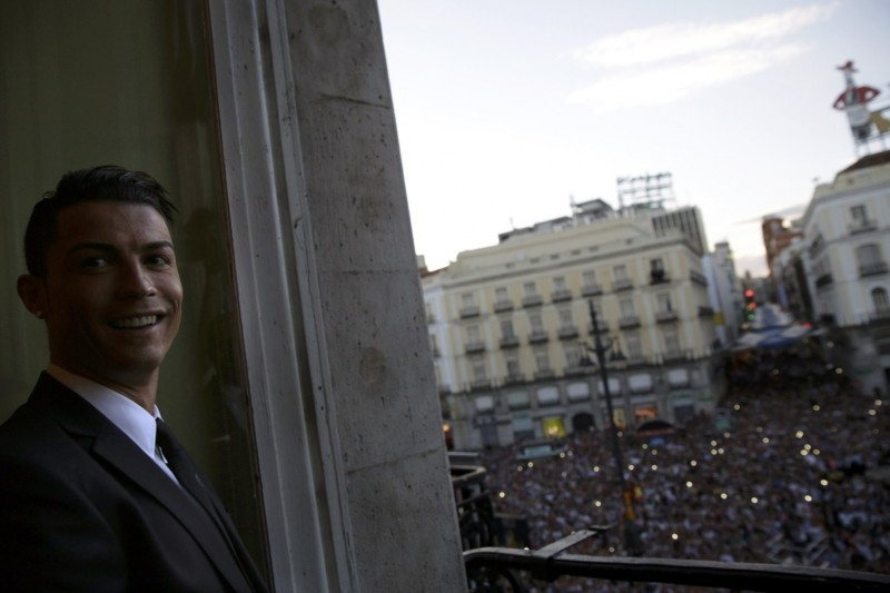 Cristiano Ronaldo in Madrid's balcony, during the Champions League celebrations
