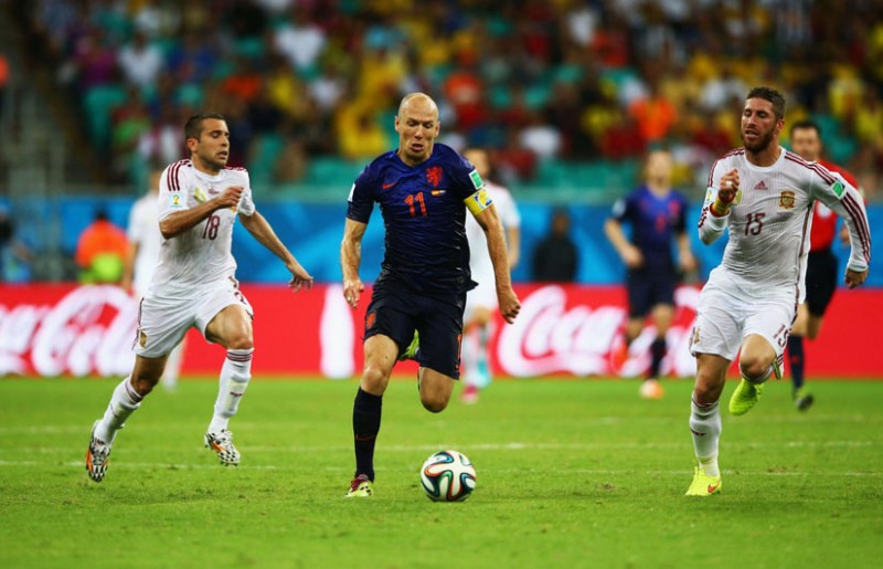 Arjen Robben sprint race vs Sergio Ramos, in Netherlands 5-1 Spain