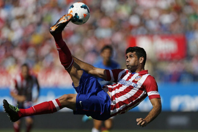 Diego Costa bicycle kick in Atletico Madrid