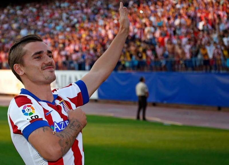 Antoine Griezmann thanking the Colchoneros fans in Atletico Madrid, in his presentation day