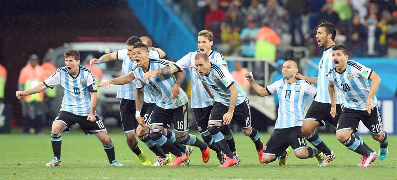 Argentinian players celebrations, right after the last penalty-kick against Netherlands