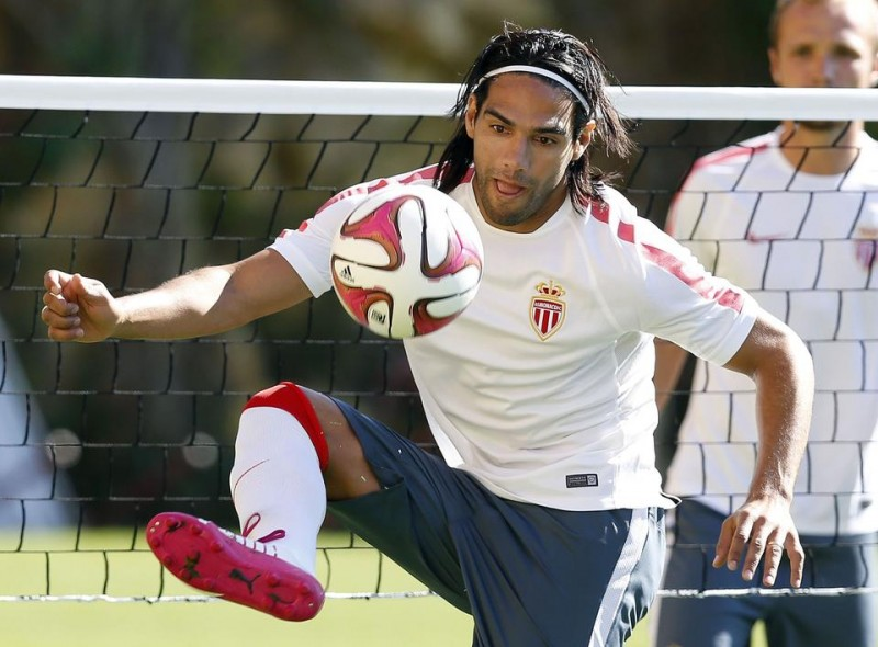 Falcao back to training after the ACL knee injury, in 2014