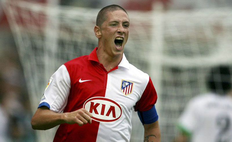 Fernando Torres with his head shaved in Atletico Madrid