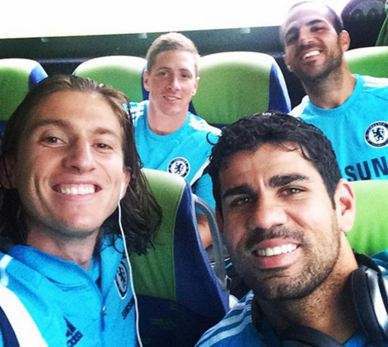 Filipe Luis selife with Diego Costa, Fernando Torres and Cesc Fabregas, in Chelsea 2014-2015