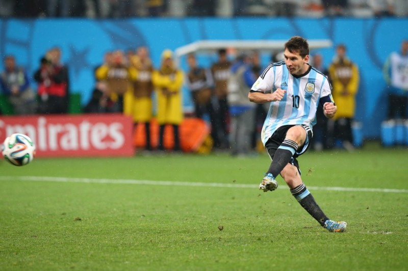 Lionel Messi penalty-kick, in Argentina vs Netherlands, FIFA World Cup 2014