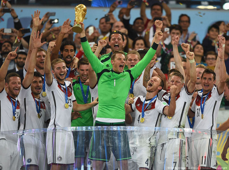 Manuel Neuer lifting the World Cup trophy for Germany