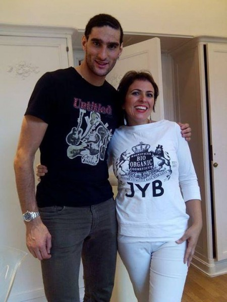 Marouane Fellaini showing off his new haircut after the World Cup 2014