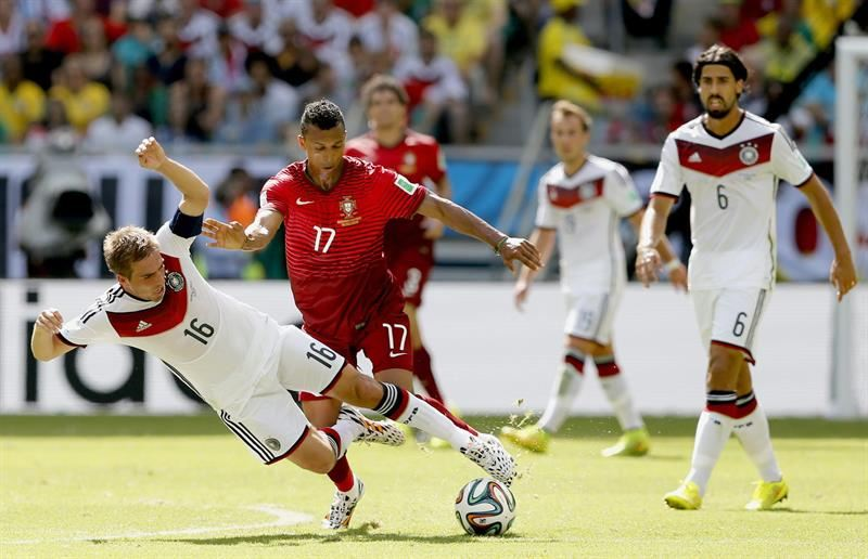 Nani playing in Portugal vs Germany, in the 2014 FIFA World Cup