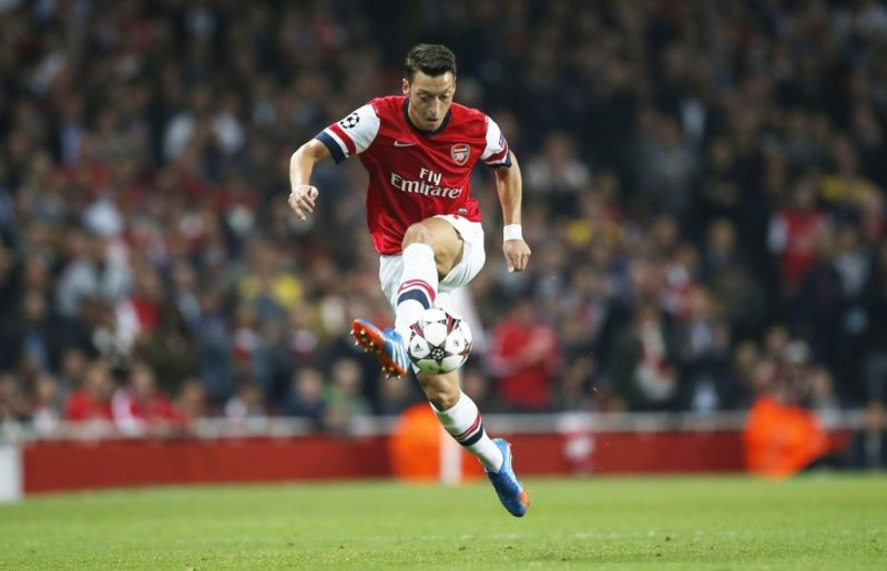 Mesut Oziil in a Arsenal shirt 2014-2015