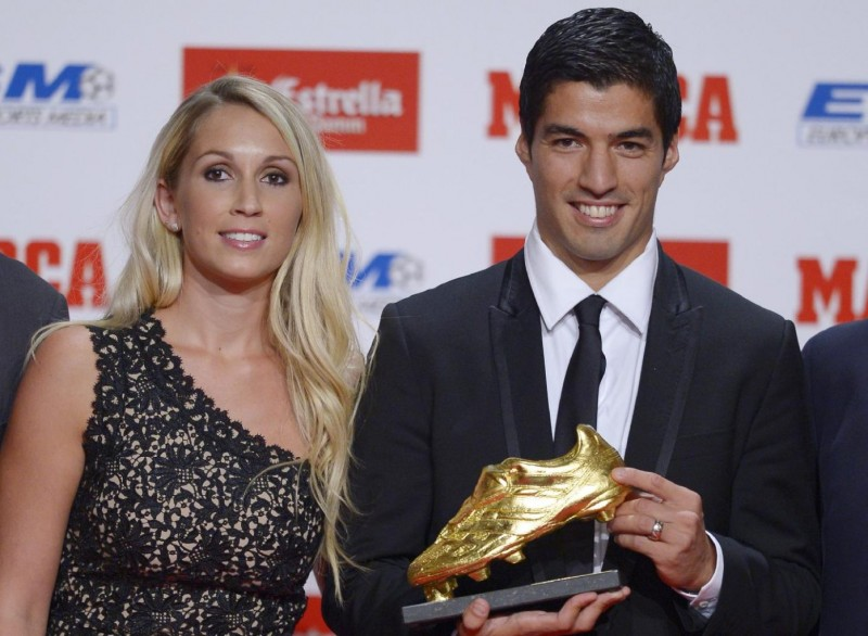 Luis Suárez and his wife girlfriend Sofia Balbi