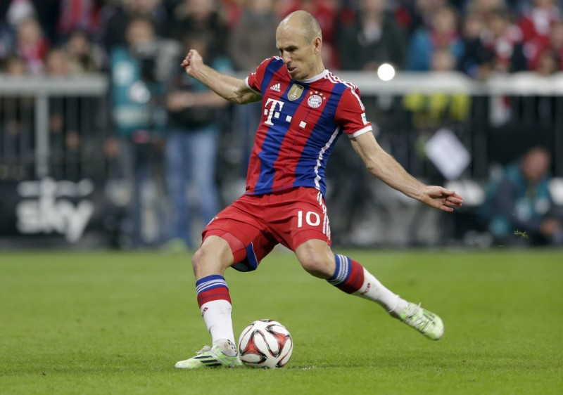 Arjen Robben in a Bayern Munich red and blue stripes jersey, in 2014-2015