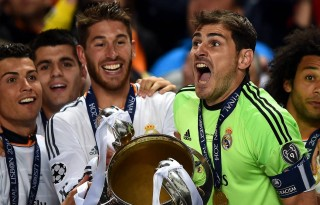 Cristiano Ronaldo, Sergio Ramos and Casillas, lifting the UEFA Champions League trophy in 2014