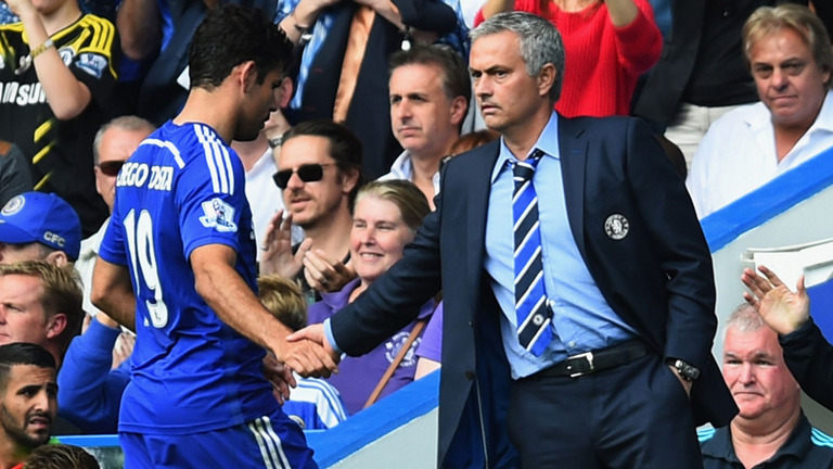 José Mourinho hand shake to Diego Costa in a Chelsea game