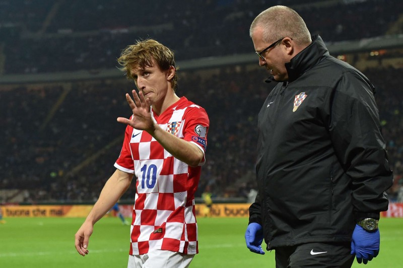 Luka Modric walking off the pitch after getting injured for Croatia