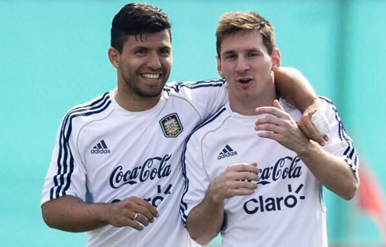 Sergio Aguero and Messi in Argentina training