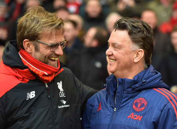 Jurgen Klopp and Louis van Gaal in a Liverpool vs Manchester United game in 2016