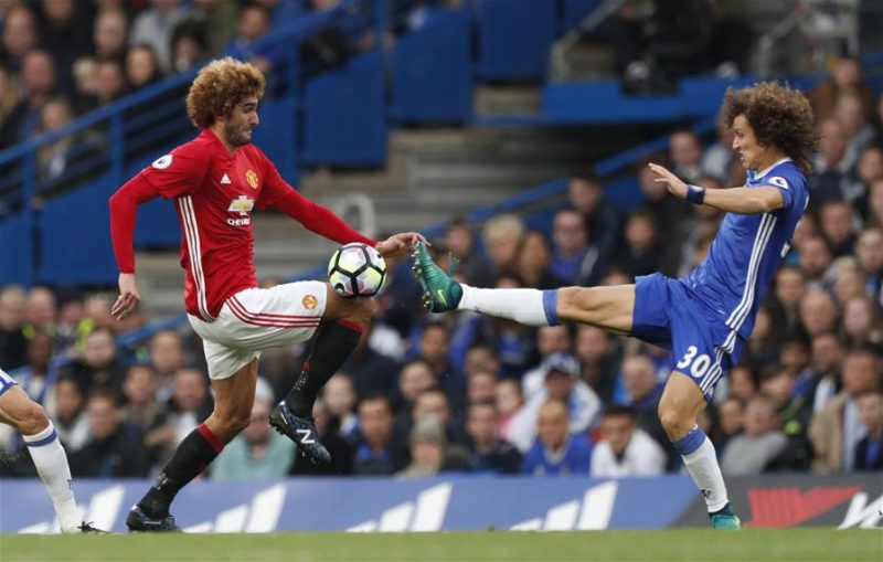 Fellaini and David Luiz in Chelsea vs Manchester United for the Premier League in 2016-17