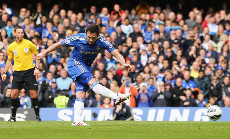 Frank Lampard shooting and scoring for Chelsea FC