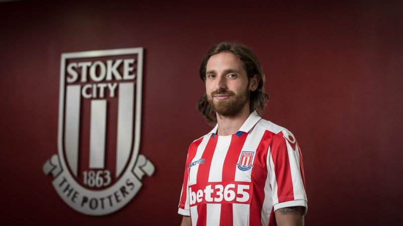 Joe Allen signs for Stoke City and wears a bet365 shirt