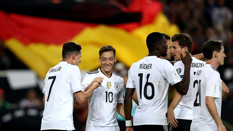 German players gathered in group